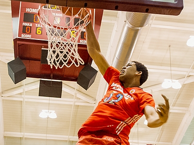 2014 McDonald's High School All-American Dunk Contest – Karl Towns